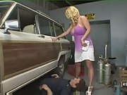 Blonde harmony bliss uses her cans to get car back at major